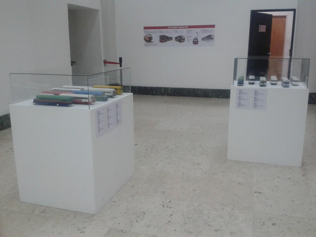 Exposición de maquetas y del transporte actual de Caracas